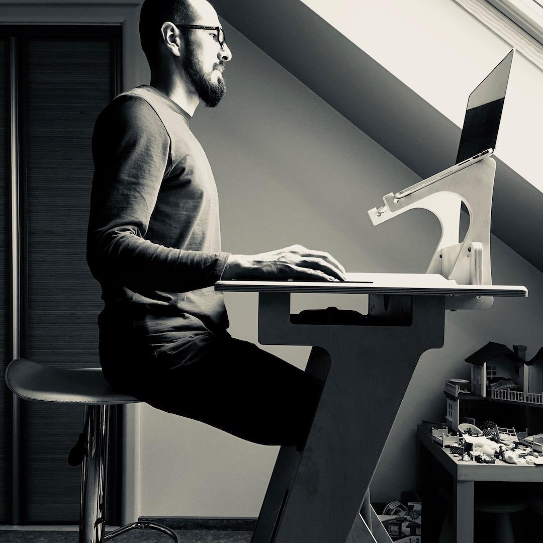 """Cała prawda o """"ergonomicznych"""" fotelach biurowych 9"""