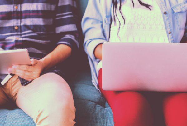 dlaczego nie jesteśmy stworzeni do siedzenia - standidesk blog