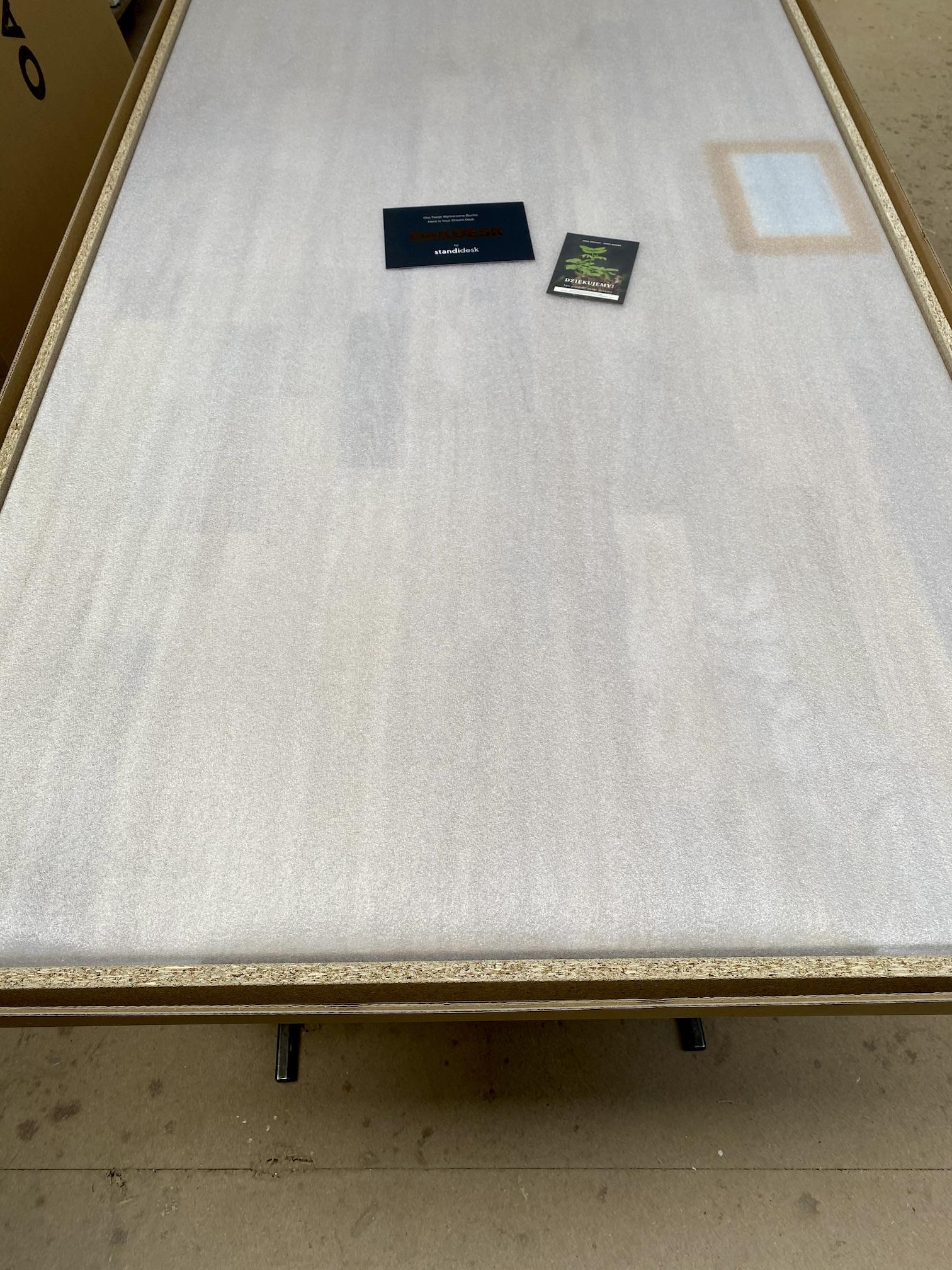 OAKDESK - biurko regulowane elektrycznie z blatem dąb naturalna krawędź premium 25