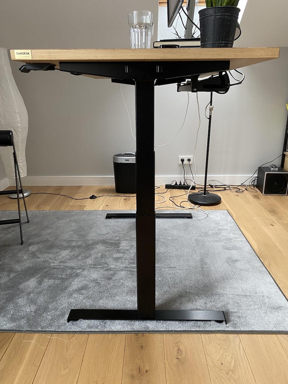 OAKDESK - biurko regulowane elektrycznie z blatem dąb naturalna krawędź premium 31