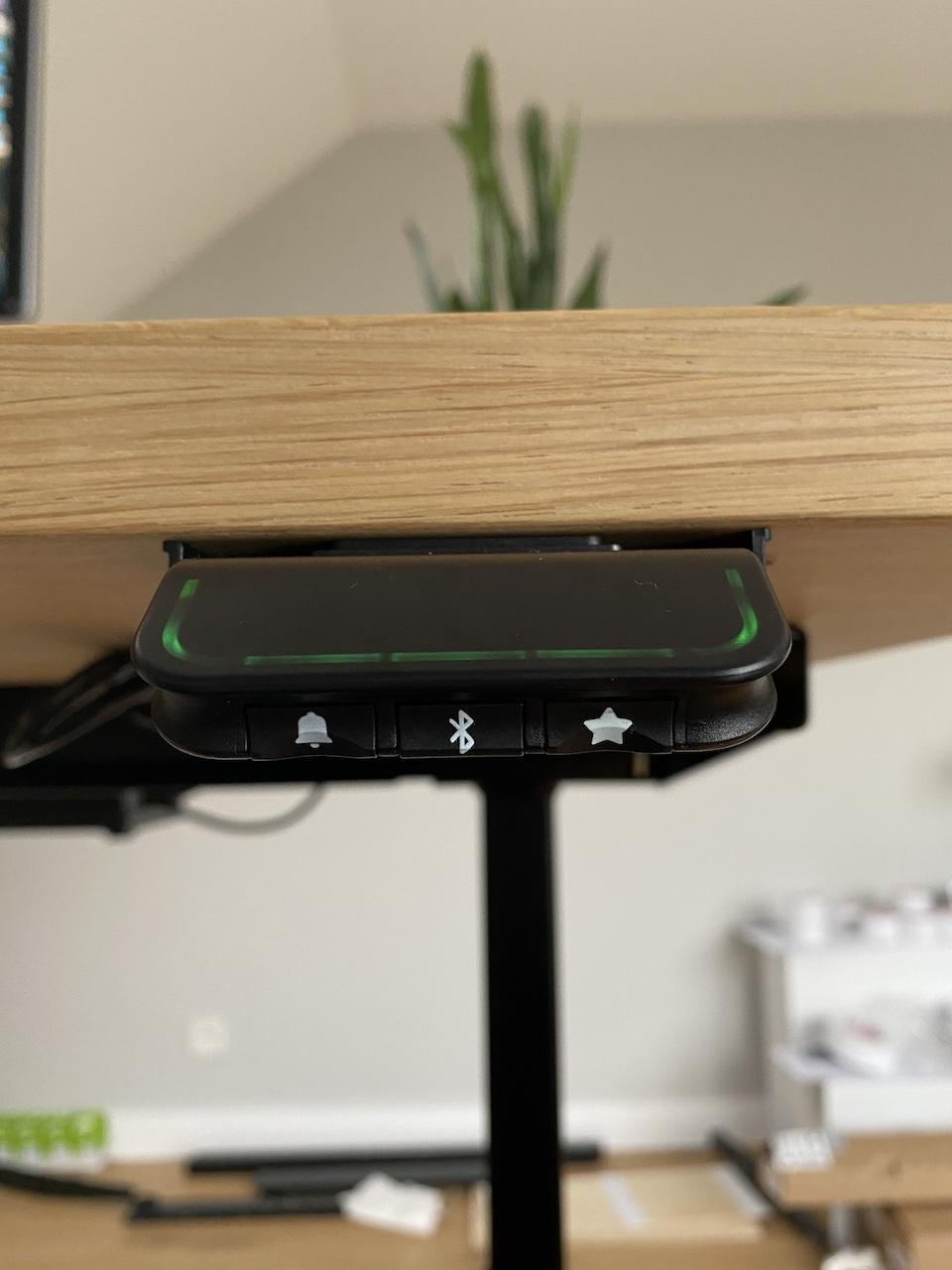 OAKDESK - biurko regulowane elektrycznie z blatem dąb naturalna krawędź premium 32